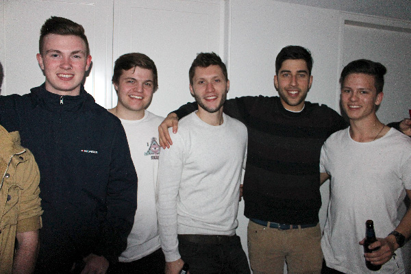 Competition winners rub shoulders with The Chiefs' Midlaner Swiffer and eSports personality Snoopeh. esports