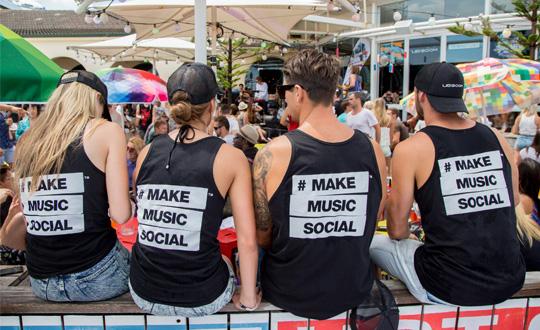 The #makemusicsocial promo team sitting pretty at The Bucket List.